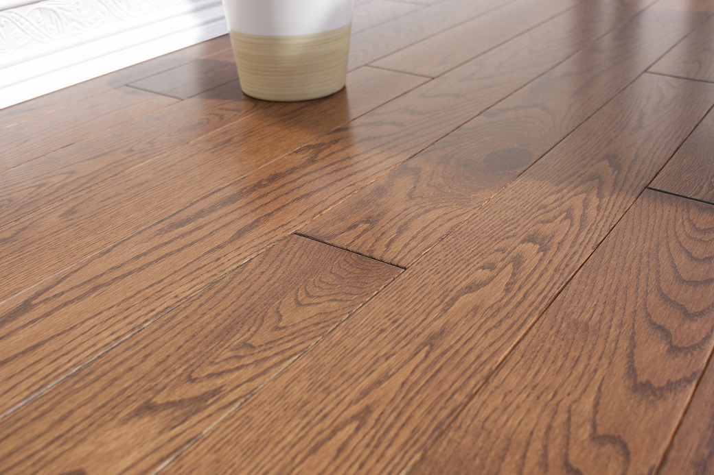 photo of Red Oak Auburn hardwood flooring from our classic collection
