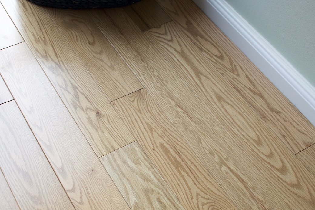 photo of Red Oak Harvest hardwood flooring from our classic collection