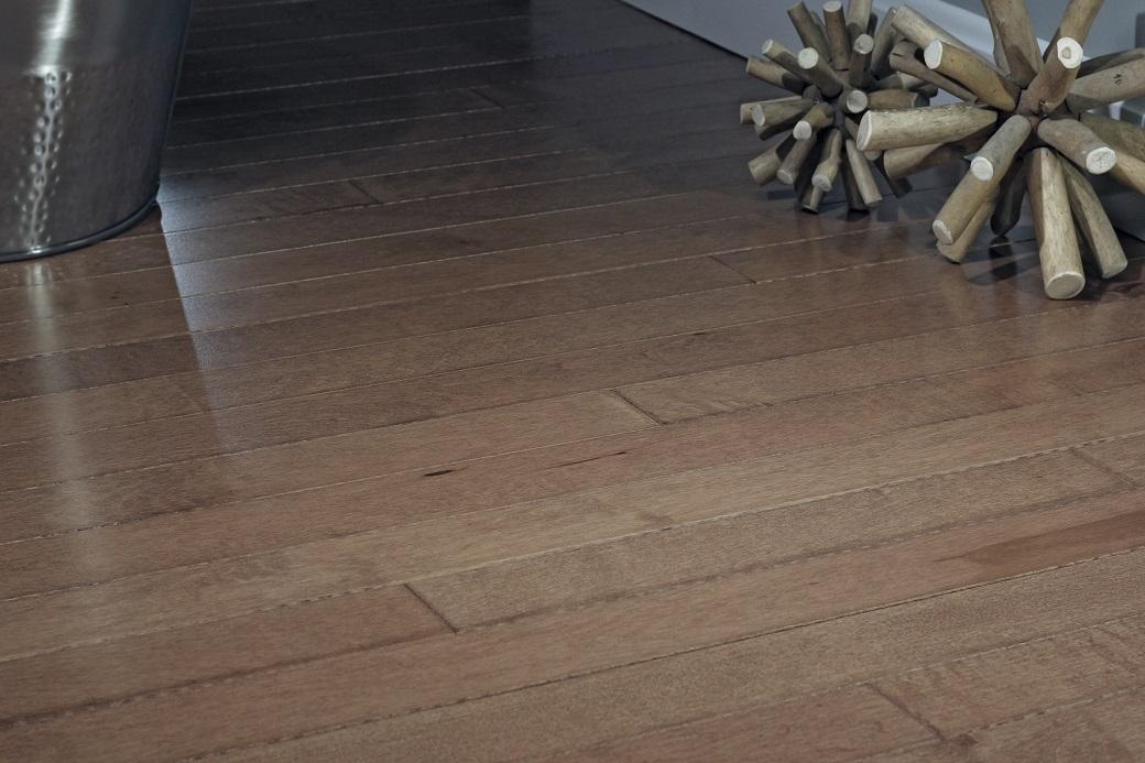 photo of Hard Maple Hazelnut hardwood flooring from our Pro collection