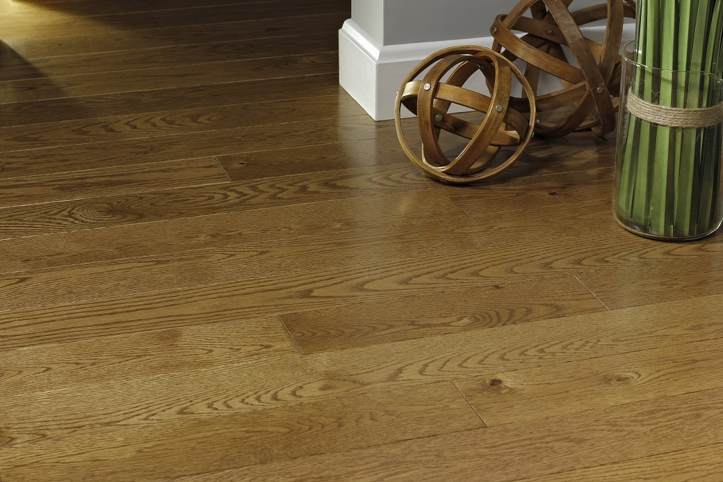 photo of Red Oak Gunstock hardwood flooring from our Pro collection